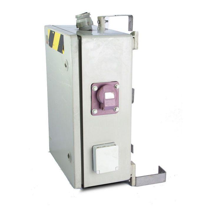 N 3404 cuadro de pvc con transformador enchufes - Transformador electrico precio ...